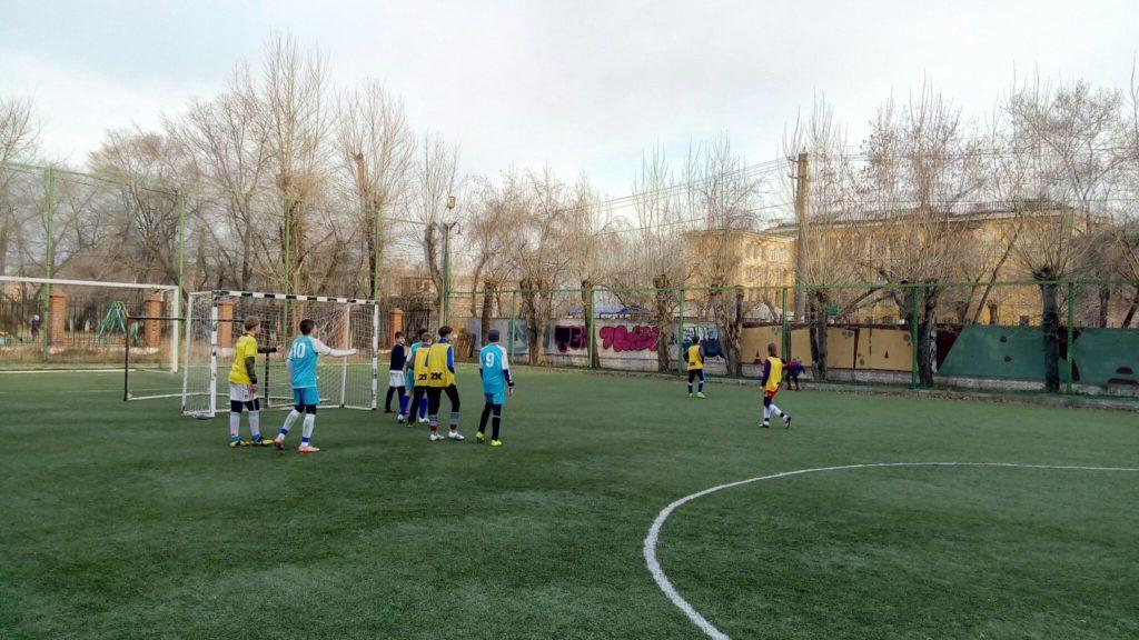 Команда детского дома √1 провела последний перед Краевым Чемпионатом товарищеский матч против команды Авангард.