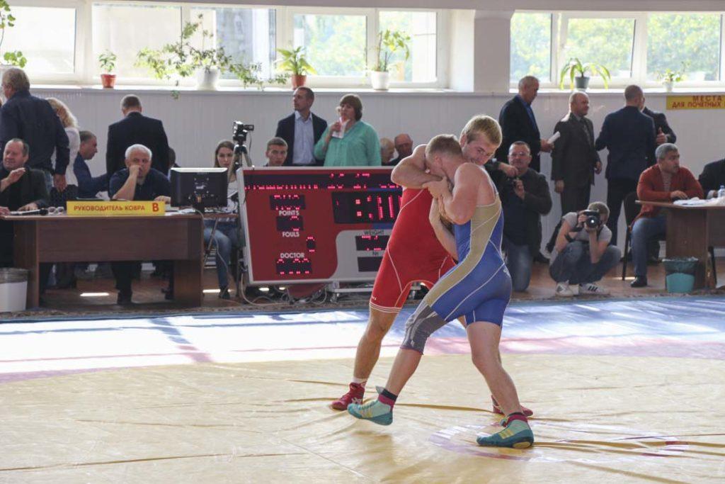 Красноярске открылся турнир на призы олимпийского чемпиона Алексея Шумакова