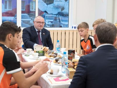 Сенатор Андрей Клишас посетил спорткомплекс «Тотем»