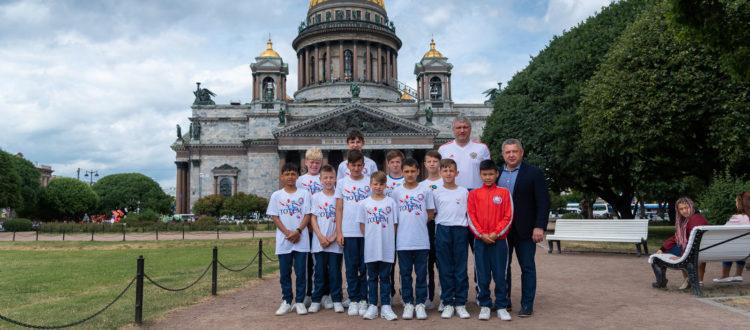 Команда юниоров ФК «Тотем» прибыла в Санкт-Петербург
