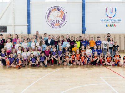 В Красноярске прошел Кубок по мини-футболу «8 марта» на призы ФК «Тотем»